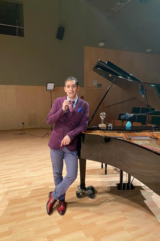 Fabri cantante y pianista para bodas
