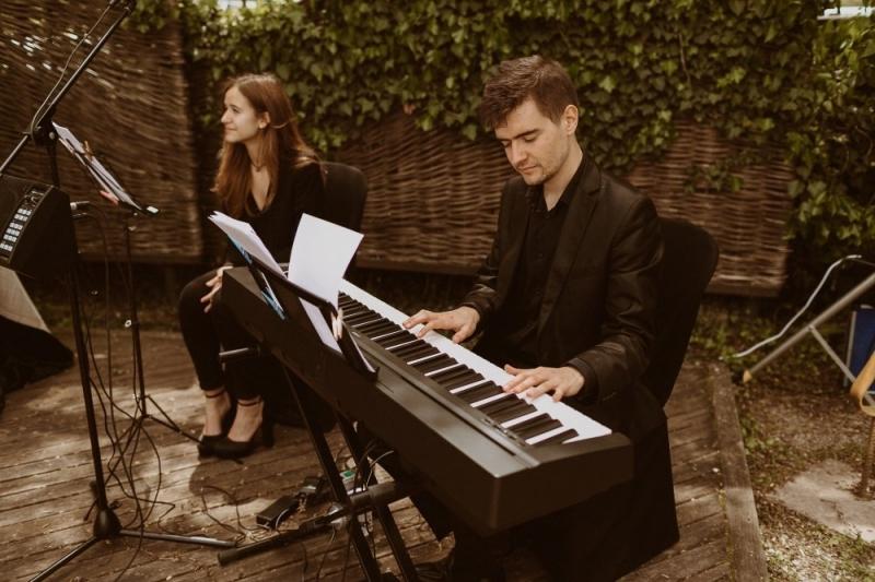 Ceremonia pianista y cantante